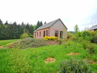 Nice bungalow for 6/8 persons with marvellous view on woody hills, close to the village Laloux (Roch