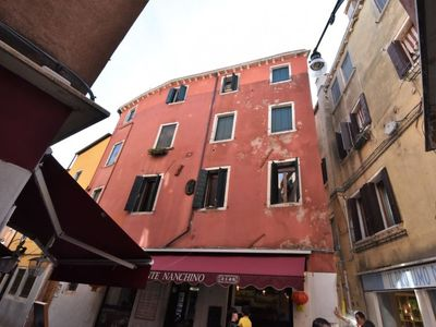 Photo for Venice Apartment, Sleeps 5 with Air Con and WiFi