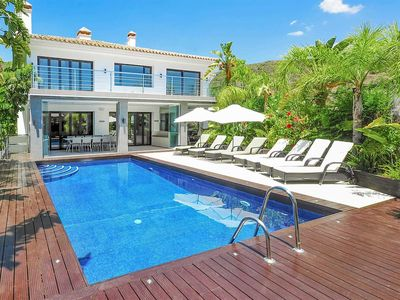 Photo for 6 bedroom Villa, sleeps 12 in Benahavís with Pool, Air Con and WiFi
