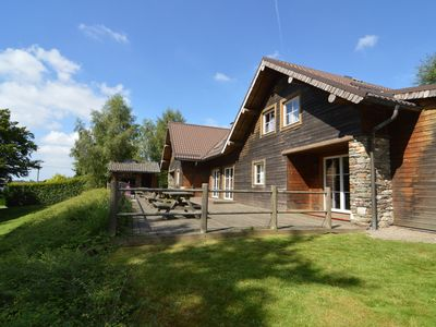 Photo for Very large chalet with a sauna, many playing options and spacious garden