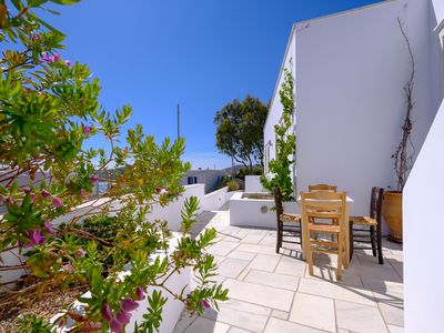 Photo for Villas Ha La Ra, Paros Island, Greece, Naoussa Villa Ra #3