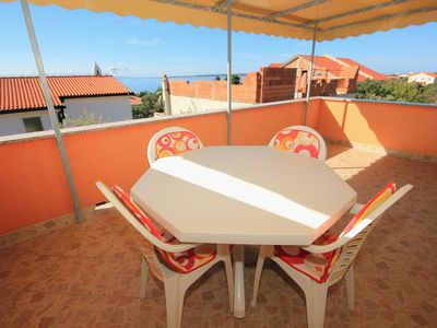 Photo for One bedroom apartment with terrace and sea view Mandre, Pag (A-9354-c)