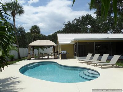 Photo for Island Living, Within Walking Distance To Beach Restaurants Shops Parks Marina