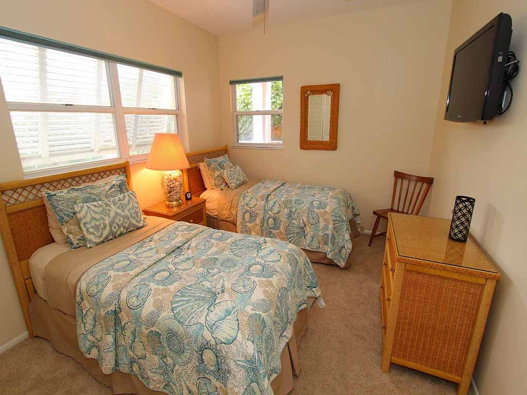 Sea Twig #101: 2 BR / 2 BA Condo on Longboat Key by RVA, Sleeps 4