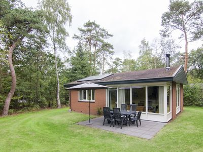 Photo for 6-person bungalow in the holiday park Landal Twenhaarsveld - in the mountains/rolling countryside