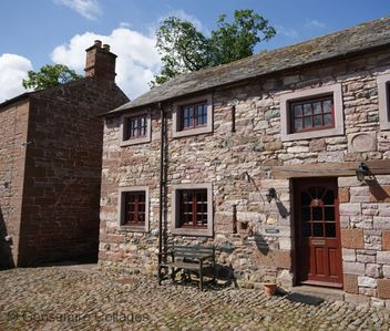 Photo for 18th Century Westmoreland barn conversion sleeps 4, pets allowed. Morland East of Ullswater, Lake Di