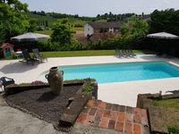 Great house, pool and location