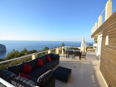 Photo for Mediterranean villa with spectacular panoramic views over the sea