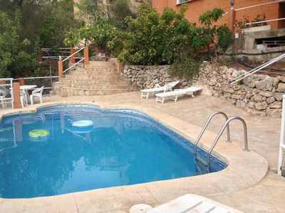 Photo for Separate part of the house, 7-9 personas pool privada.