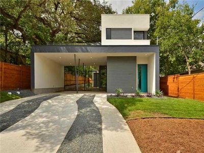 Photo for Gorgeous, Brand New Modern Home In Bouldin Creek