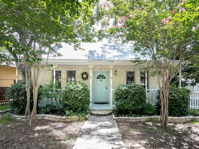 Photo for Crepe Myrtle Cottage | 5 Blocks from Main St. | Pleasant Backyard