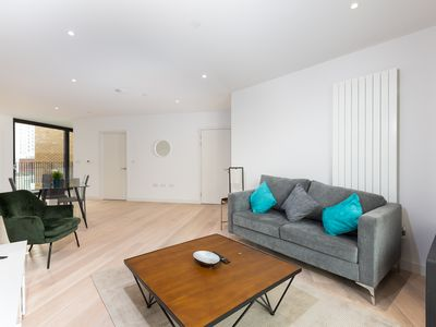 Photo for Amazing Two Bedroom In Docklands