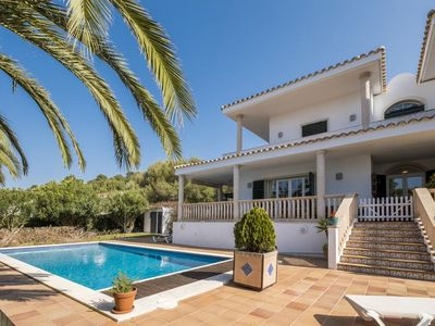 Photo for Mediterranean, Luxurious Villa with Wi-Fi, Air Conditioning, Pool, Garden and Sun Terrace