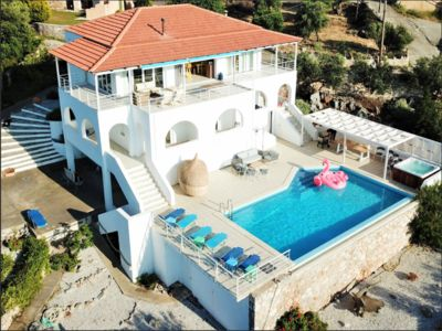 Photo for Luxurious villa in a protected settlement with private pool, jacuzzi, garden.
