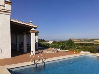 Photo for Villa with pool and beautiful views between Conil-Vejer
