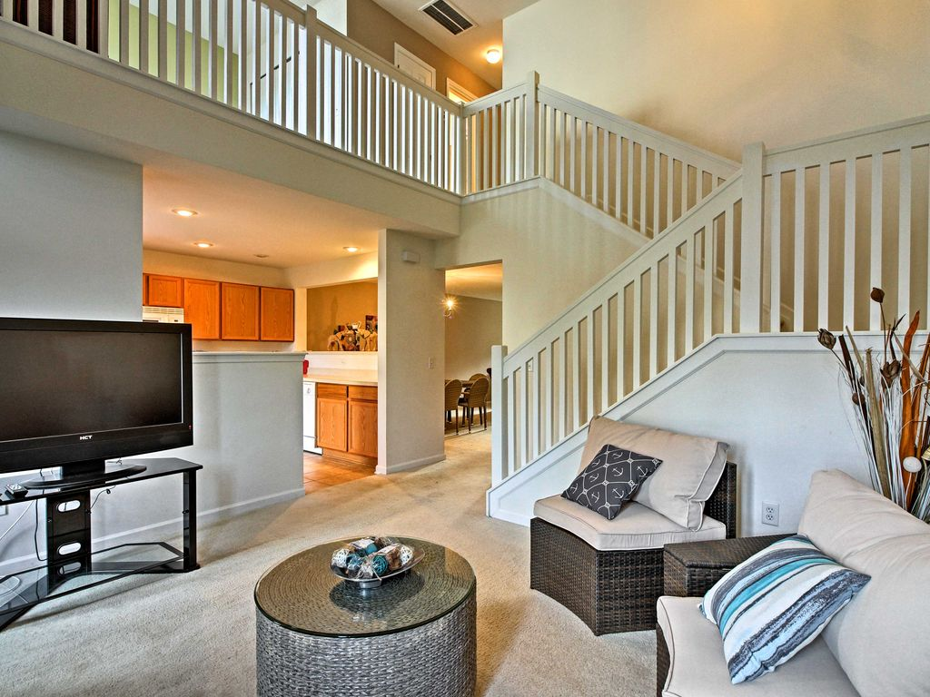 NEW! Lovely 2BR Pooler Townhome Mins from S... - HomeAway