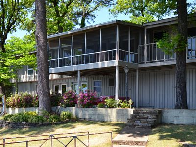 Sleeps 18! The perfect lake house for any occasion