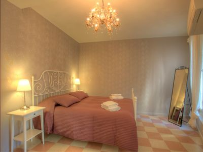 Photo for Newly renovated apartment with canal view,Chiesa dei Frari area