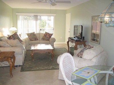 Photo for Feel the tropical breeze, quiet,comfortable condo with great rates