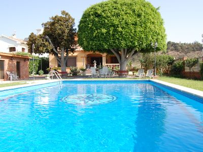 Photo for Magnificent villa with swimming pool 100 meters from the beach