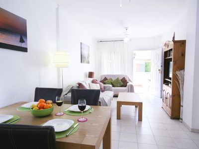 Photo for Ground floor, centrally located, short walk to beach, bars and restaurants