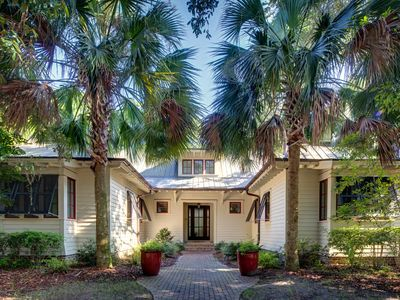 Photo for GORGEOUS RESTYLED HOME, in the heart of Palmetto Bluff, Golf Cart, Pet Friendly