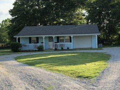 Cozy 2 Bedroom Country Cottage North of Parsons . Sleeps 6-8 people.