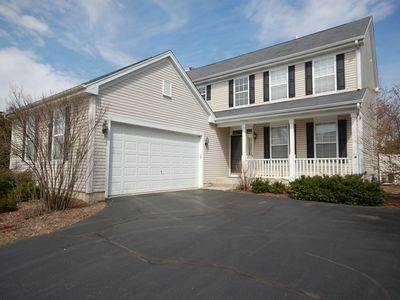 Spacious and comfortable 5 bedroom, 2 1/2 bath two miles from down town Geneva
