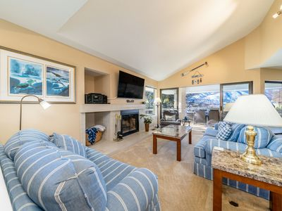 Photo for Lakeview Livin' at Wapato Point - Halmalka 501B
