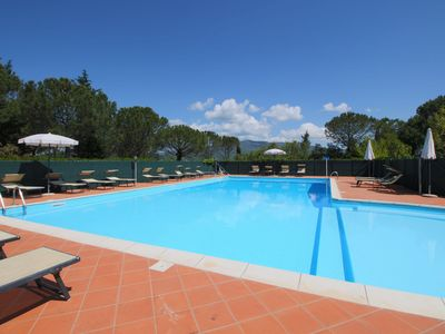 Photo for Elegant Farmhouse in Campriano with Swimming Pool