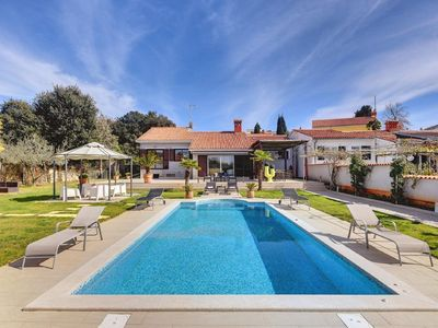 Photo for Holiday house Pula for 6 - 7 persons with 3 bedrooms - Holiday house