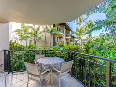 Photo for Tropical condo close to Honl's Beach *WiFi/Lanai/Laundry*