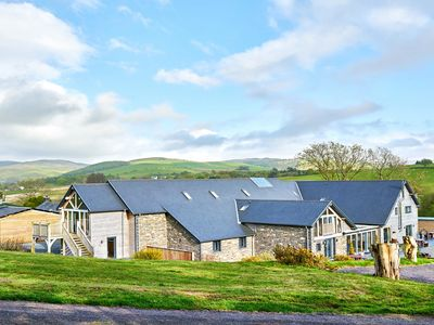 Photo for TYNRHYD BARN, pet friendly in Devil's Bridge, Ref 920656