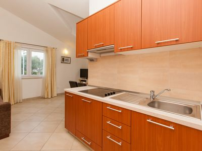 Photo for Apartment / app. for 4 guests with 45m² in Okrug Gornji (77304)