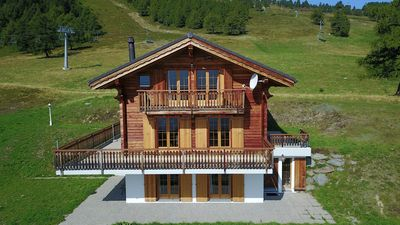 Photo for 6-Room chalet ski-in ski-out, 3* superior for 14 persons with 5 bedrooms (4x double beds and 3 bunk