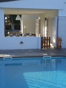 Photo for Ideal family house: fenced pool, large garden, beach 400m, playground & bar 100m