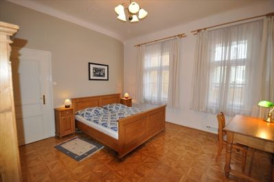 Master bedroom situated to the yard. Very quiet 25 m2 large.