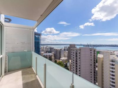 Photo for High floor with Amazing Harbour View 2 Bedroom Apartment-Self Check-in
