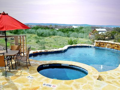 Beautiful Hill Country Sunset Views with private pool/hot tub