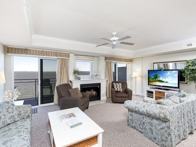Sunset Beach 301 is a gorgeous 3 Bedroom/2.5 Bath Vacation Home on 46th Street.