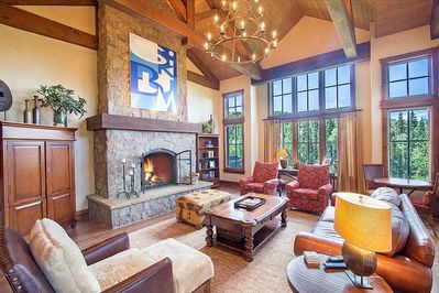 Castellina A - Spacious living room with vaulted ceilings, amazing views