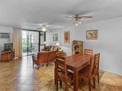 Photo for Family Favorite! Kitchen, Laundry, AC, TV, WiFi, Kitchen+Lanai–Kamaole Sands 5212