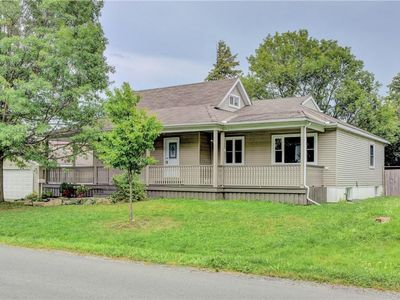 Photo for Marvelous and cozy detached house in central Ottawa