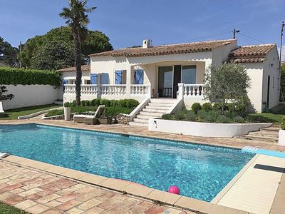 Photo for Gorgeous air-conditioned villa with heated private pool and sea views