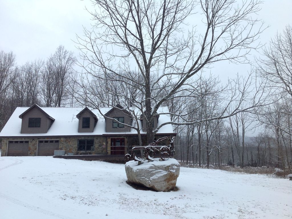 Large & Beautiful Escape near Warwick Bethel in the lovely Hudson Valley