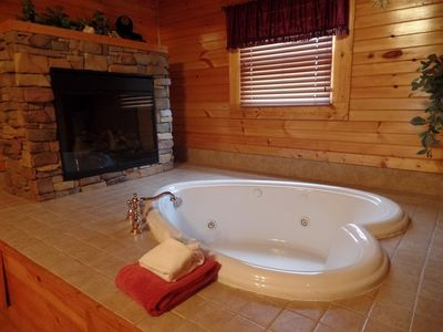 Photo for Romantic 1 Bedroom Cabin Gatlinburg Smoky Mountain National Park