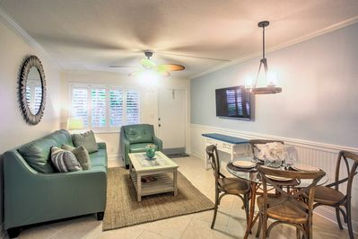 Look forward to a relaxing beach retreat at this vacation rental condo in Naples