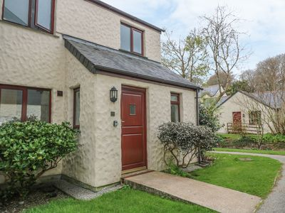 Photo for DAISY COTTAGE, pet friendly, with pool in Falmouth, Ref 1004843