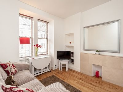 Photo for Apartment 1.5 km from the center of Edinburgh with Internet, Washing machine (692754)