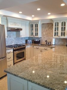 UPGRADED KITCHEN Granite Counter Tops, Stainless Steele Appliances & New Cabinet